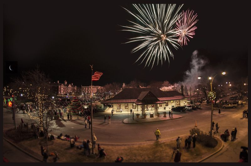 Downtown Kirkwood Fireworks Festival Sunday, January 1, 2017